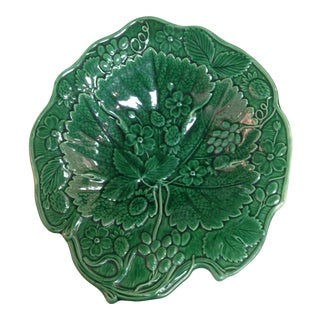 19th Century English Majolica Strawberry Pattern Tray For Sale