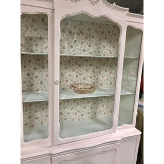 1940s Vintage Shabby Chic French Floral China Cabinet Vintage Rose Bud Wallpaper Preview