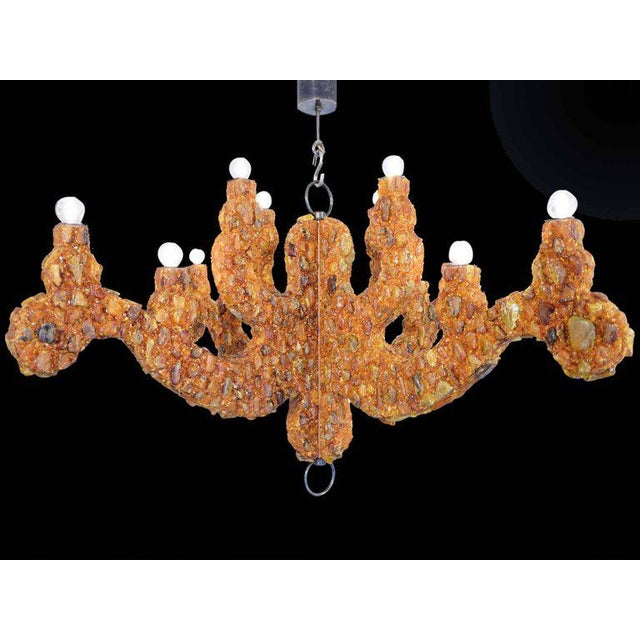KAM TIN Amber chandelier Natural amber, wood France, 2017 Limited edition of 2