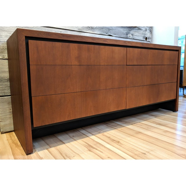 Mid-Century Modern Mid-Century Modern Dillingham for Merton Gershun Walnut Dresser For Sale - Image 3 of 11