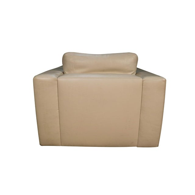 Mid Century White Leather Swivel Armchair for Design Within Reach For Sale In Baltimore - Image 6 of 11