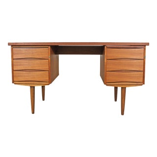 Mid-Century Danish Modern Arne Vodder Style Teak Executive Desk For Sale