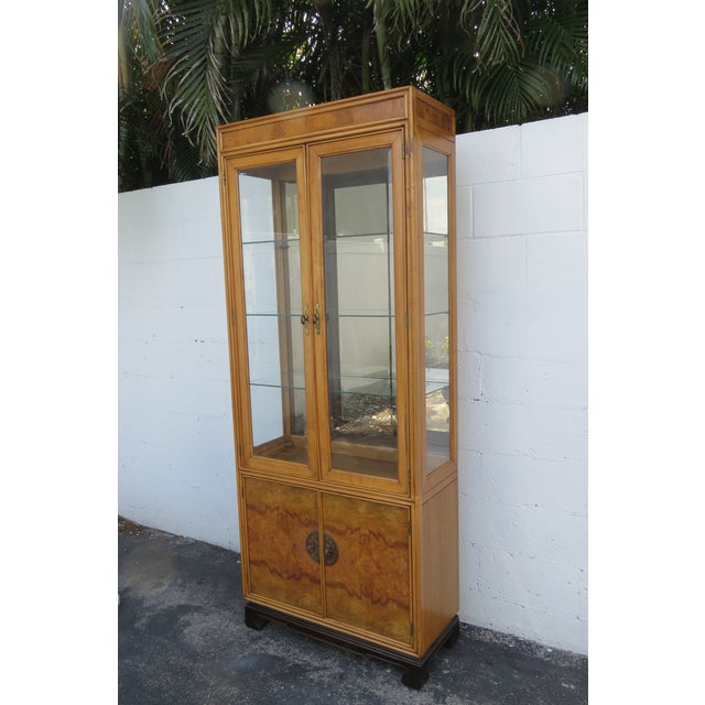 Wood American of Martinsville Hollywood Regency China Display Cabinet Cupboard 2397 For Sale - Image 7 of 13