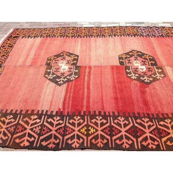 "Vintage Turkish Kilim Rug - 6'9"" X 9' - Image 4 of 6"