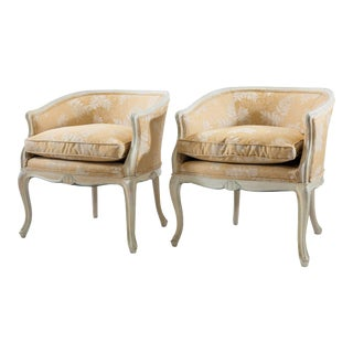 Louis XV Bergere Chairs with Carved Shell Motifs - A Pair For Sale