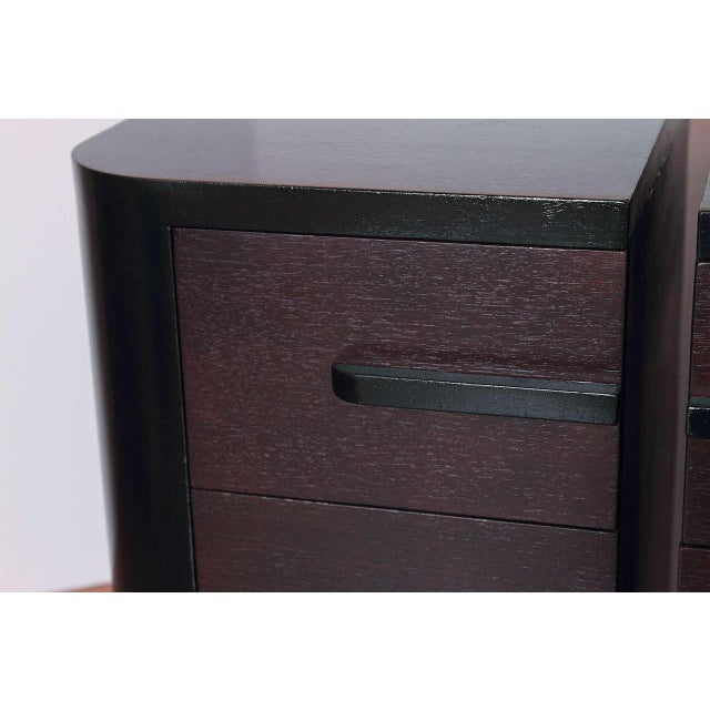 Streamline Pair of Modernage Art Deco Bookend Matched Ebonized Nightstands For Sale In Dallas - Image 6 of 11
