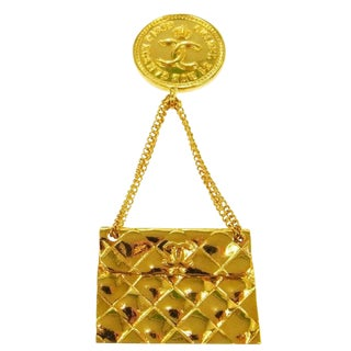 Chanel Vintage Gold 2.55 Flap Shoulder Bag Coin Evening Pin Brooch in Box For Sale