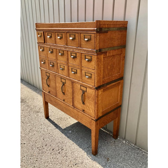 Tan Antique Globe-Wernicke Arts and Crafts Era Tiger Oak Library Card Catalog Filing Cabinet For Sale - Image 8 of 13