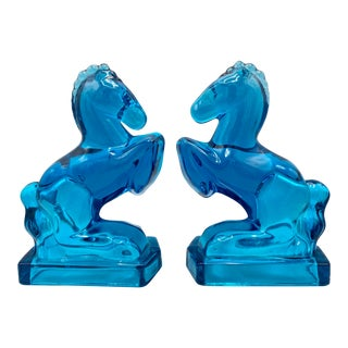 Mid Century Blue Glass Horse Bookends by l.e. Smith - a Pair For Sale