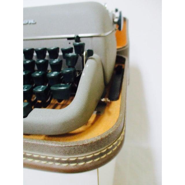 Vintage Remington Typewriter With Case - Image 8 of 9