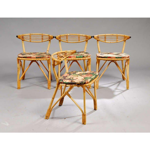 Dining table with frosted glass top and 4 dining chairs in sturdy rattan, from 1940's Denmark, very well constructed....