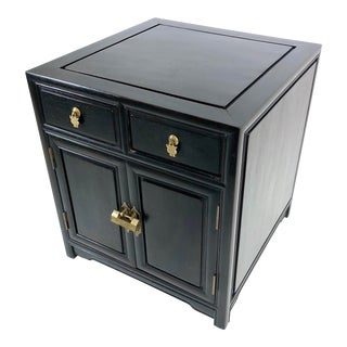 Vintage Asian Chinoiserie Side Table / Cabinet For Sale