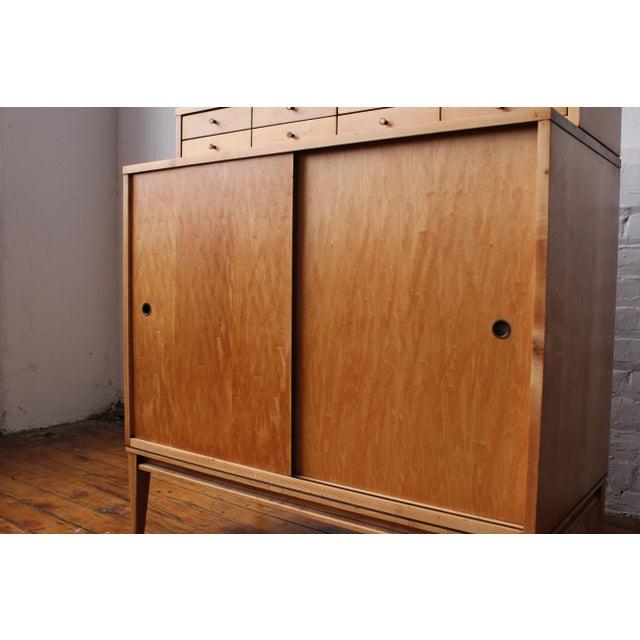 Restored 1950s Mid-Century Modern Paul McCobb Planner Group Mini Credenza Cabinet For Sale In Philadelphia - Image 6 of 13