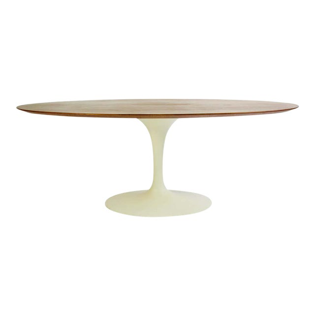 Eero Saarinen for Knoll Walnut Oval Dining Table For Sale
