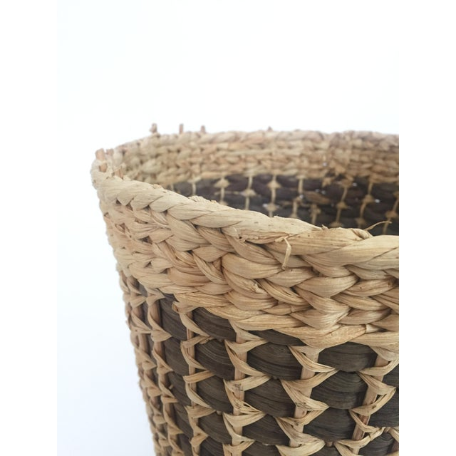 1970s Vintage Large Two Tone Plant Basket For Sale - Image 5 of 7