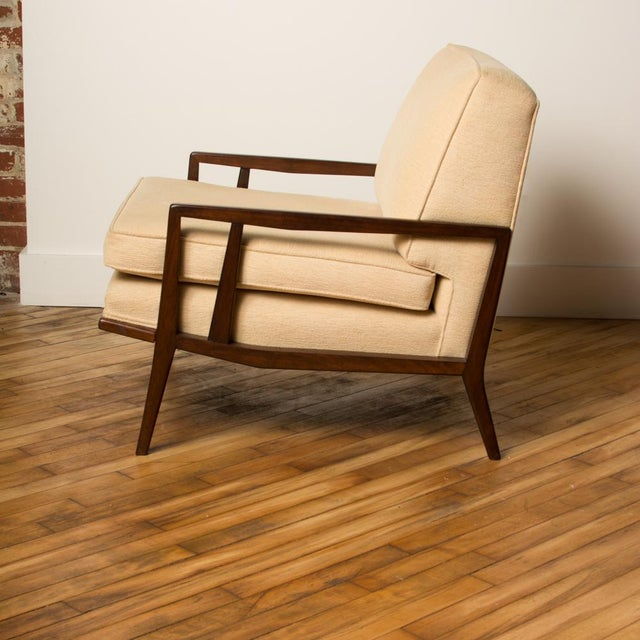 A fine pair of Mid-Century armchairs designed by Paul McCobb for Directional Modern. 1950s.