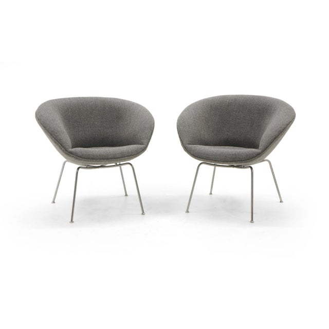 Gray Arne Jacobsen for Fritz Hansen, Restored, Maharam Fabric Pot Chairs - a Pair For Sale - Image 8 of 8