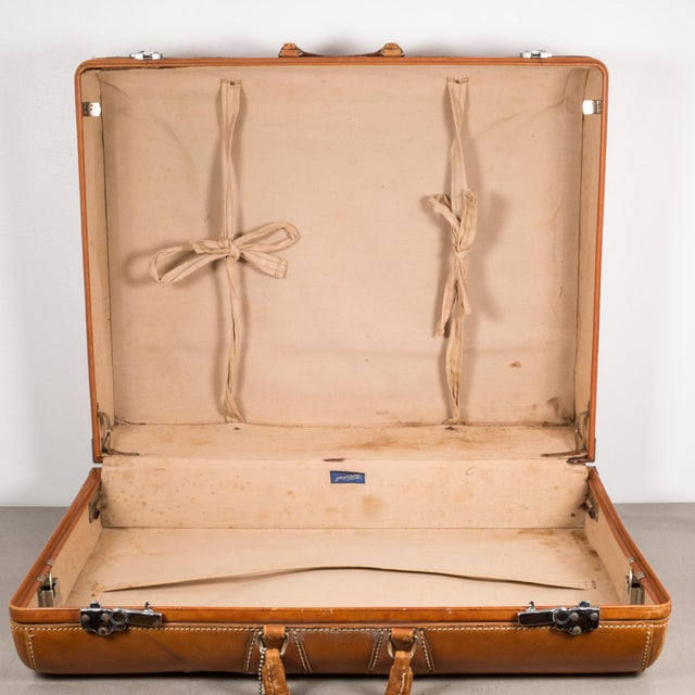 "Vintage ""The Colonel"" Leather Luggage C.1950-1960 For Sale - Image 10 of 13"