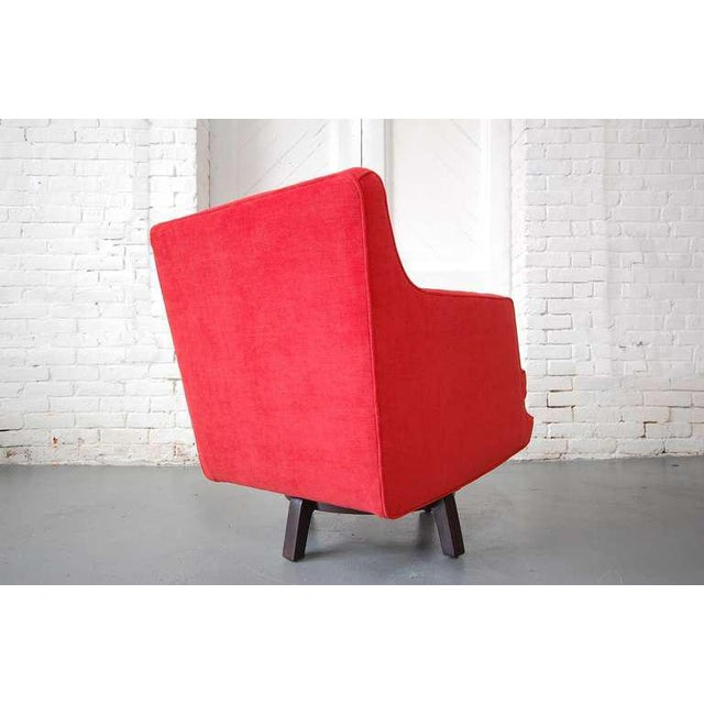 Fully Restored Swivel Chair by Edward Wormley For Sale In Providence - Image 6 of 10