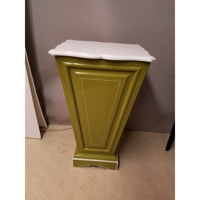 Palm Beach Regency Lime & White Painted Wood Sculpture Pedestal or Plant Stand With Faux Bamboo Trim - Image 2 of 8