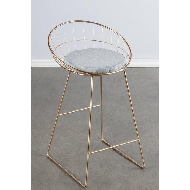 """New bar stool. Nore than 20 available. Materials: Metal, linen (cushion) Measurements : 33""""h x19.5""""w x21""""d pounds, 10..."""