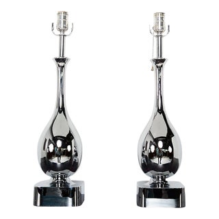 Pair of Mid Century Modern Chrome-Plated Tear Drop Table Lamps by Laurel For Sale