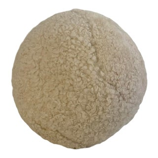 "15"" Curly Shearling Round Pillow For Sale"