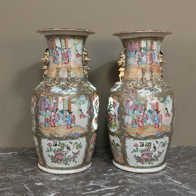 Pair 19th Century Hand-Painted Cantonese Rose Medallion Porcelain Vases For Sale - Image 13 of 13