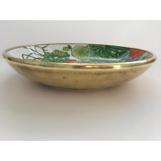 1970s Chinoiserie Floral Hand Painted Porcelain Brass Encased Bowl/Catchall - Made in Japan For Sale - Image 5 of 12