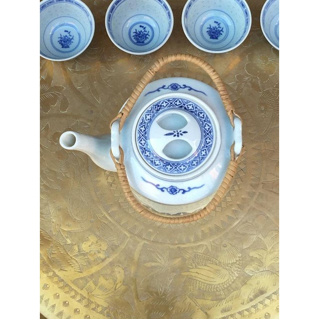Blue and White Chinoiserie Teapot & Cups - Image 3 of 6
