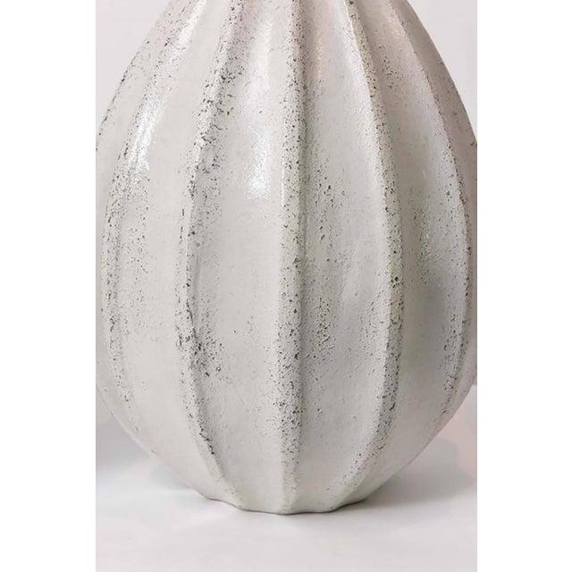 1960s Set of Three Italian Modern Earthenware Vases, Style of Primavera For Sale - Image 5 of 9