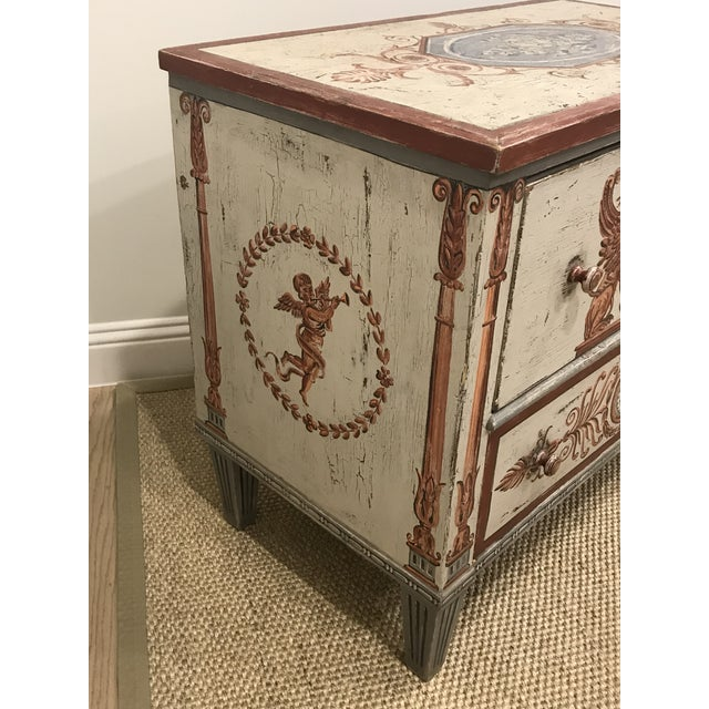 Traditional 18th Century Traditional Hand Painted Commode For Sale - Image 3 of 7