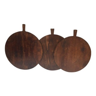 Set of Three Large Round Pine Cutting Boards With Handle For Sale
