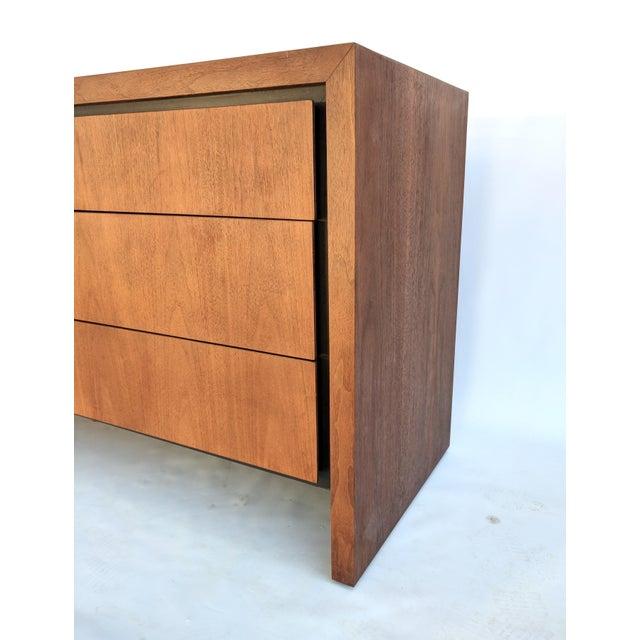 Walnut Mid-Century Modern Dillingham for Merton Gershun Walnut Dresser For Sale - Image 7 of 11