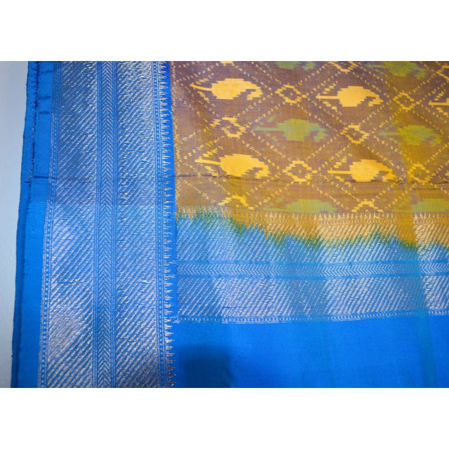 2010s Silk Ikat Poochampalee Saree Sari Indian Gold Tone Yellow Green Turquoise Blue Geometric Paisley Pattern For Sale - Image 5 of 9