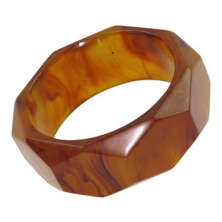 Bakelite Root-Beer Marble Carved Faceted Design Bracelet Bangle For Sale