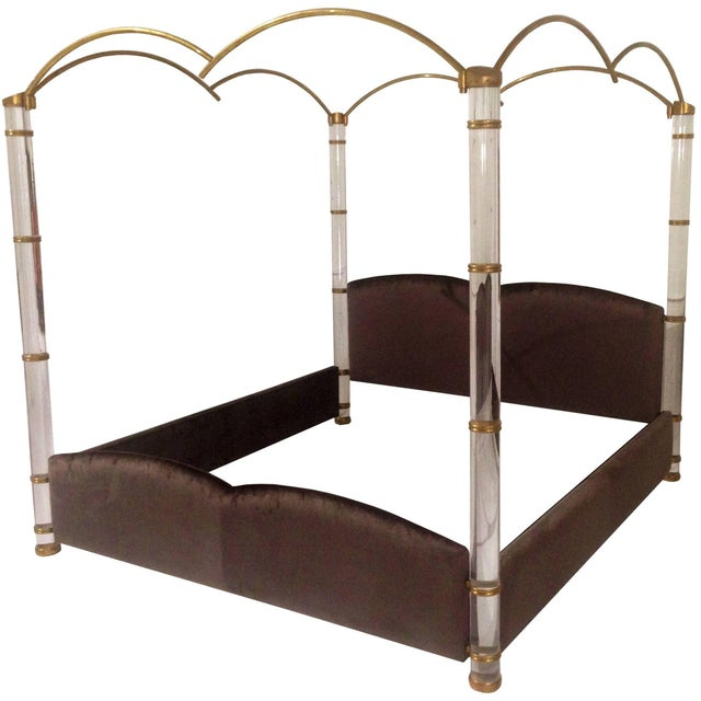 """Metal """"In the Clouds"""" King-Size Lucite and Brass Poster Bed by Marcello Mioni For Sale - Image 7 of 7"""