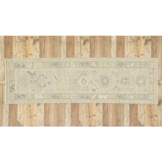 Light Gray Contemporary Turkish Oushak Runner With Transitional Style - 03'00 X 09'11 For Sale - Image 8 of 9