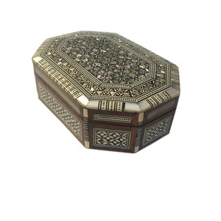 Vintage Syrian Marquetry Inlaid Keepsake Box Mother of Pearl Box For Sale
