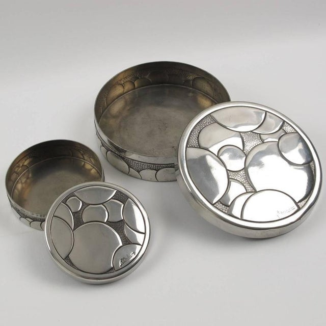 French Rene Delavan Art Deco Dinanderie Polished Pewter Box, 2 Pieces For Sale - Image 4 of 11
