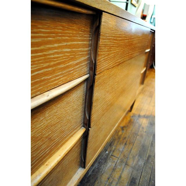 "Tan Mid-Century Kent Coffey ""Escort"" 9-Drawer Dresser For Sale - Image 8 of 9"