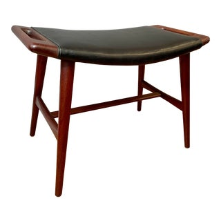 1950s Hans Wegner Piano Stool in Teak and Black Leather For Sale