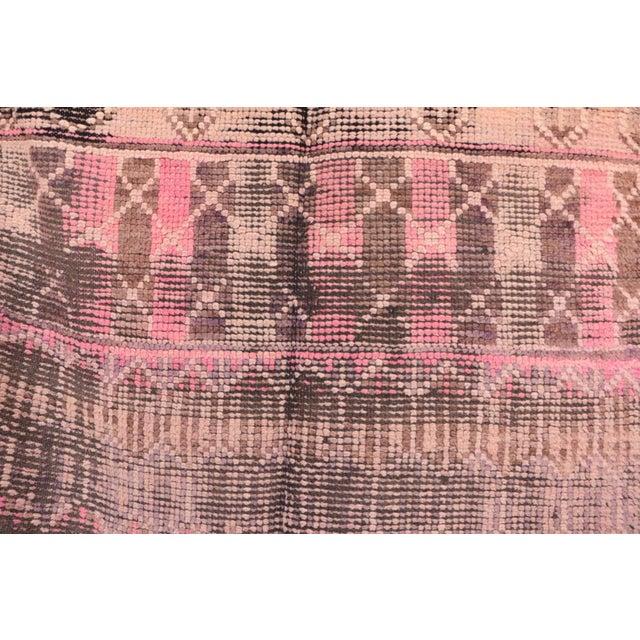 "Vintage Boujad Moroccan Rug - 4'11"" x 9'4"" - Image 2 of 4"