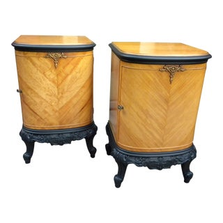 Early 20th Century Blonde Mahogany French Night Stands - a Pair For Sale