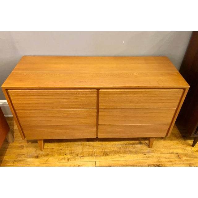 6 Drawer Solid Maple Dresser /Lowboy in excellent condition. 1950's Vintage with striated drawer fronts. Simple clean...
