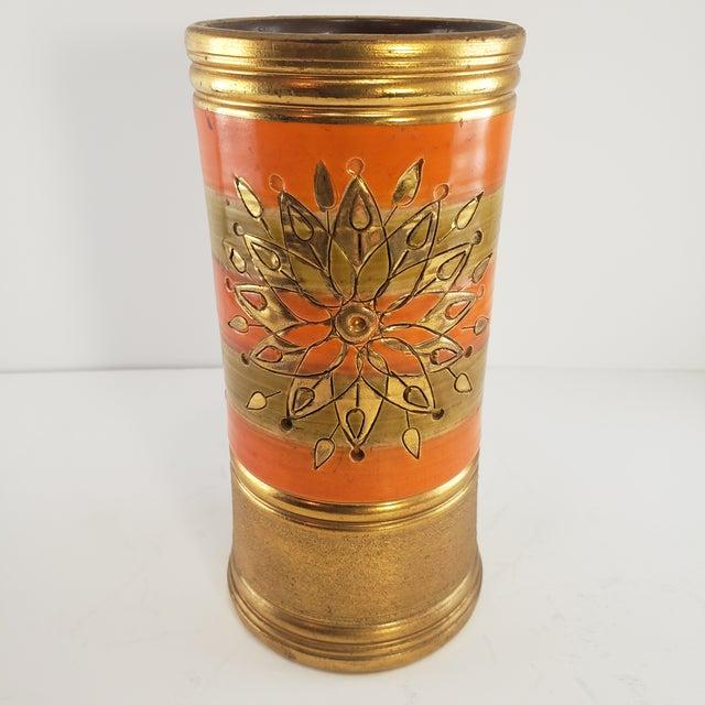 Gold Mid Century Modern Italian Bitossi Italy Sun Rosenthal Netter Pottery Vase Vintage Sunburst Orange Gold For Sale - Image 8 of 8
