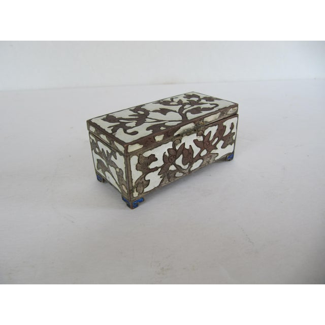 Asian Antique Cloisonnée Two Sided Stamp Box For Sale - Image 3 of 8