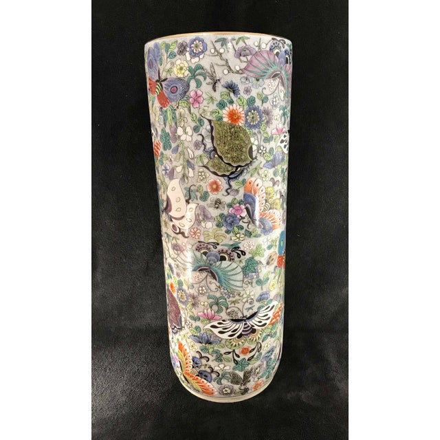 Early 20th Century Vintage Chinese Porcelain Famille Verte Hand Painted Umbrella Stand For Sale - Image 5 of 10