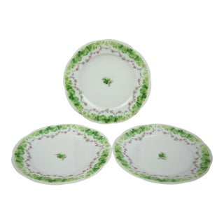 Shamrock Garlands Dessert Plates - Set of 3