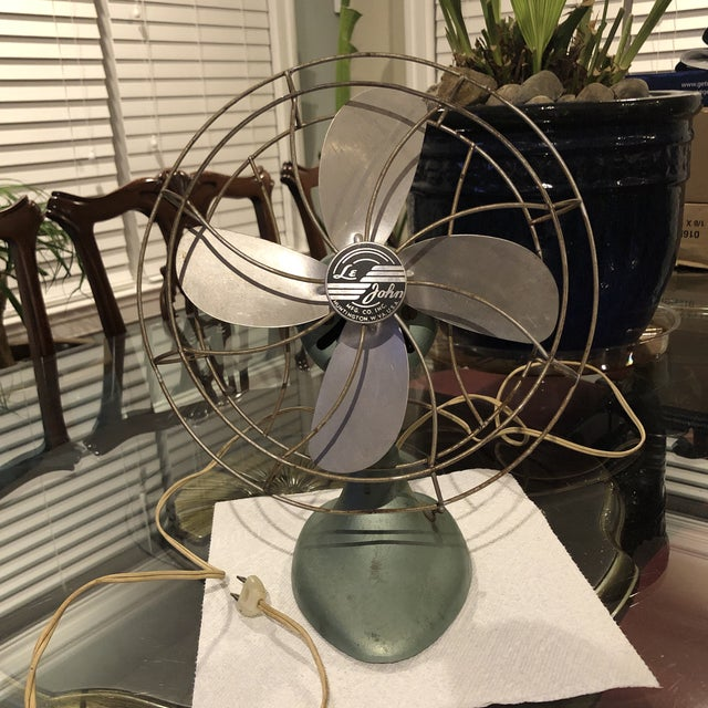 Green Mid Century Le John Electric Fan For Sale - Image 8 of 8